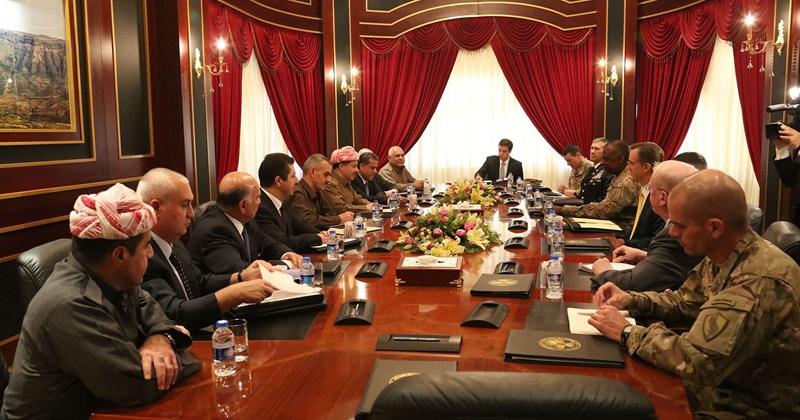 El Presidente Barzani se reúne con el Comandante del Mando Central de los EE.UU. el General Austin
