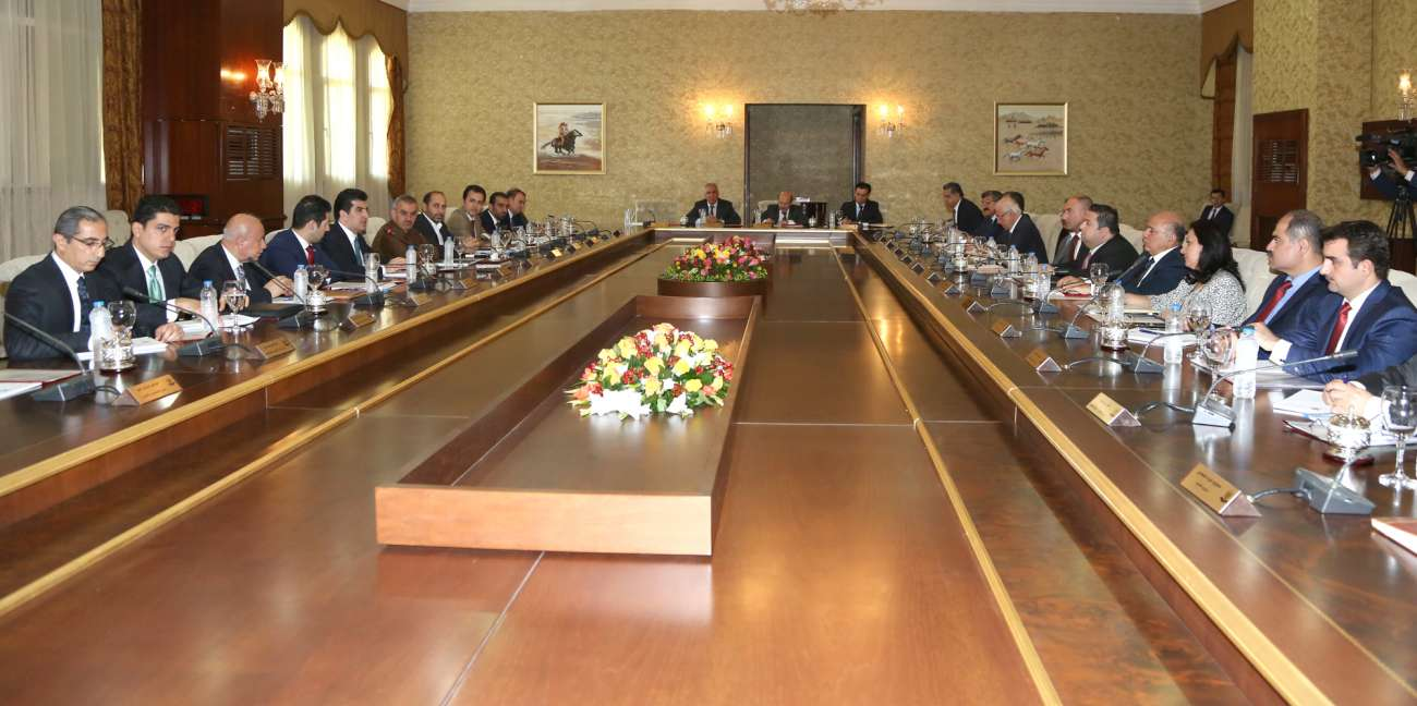 (English) KRG reviews military progress and plight of the displaced