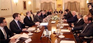 (English) Deputy Prime Minister Talabani briefs foreign diplomats on the financial situation