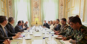 (English) French President: Peshmerga Forces fight for world security