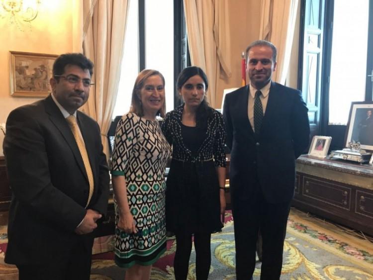 Joven activista Yazidi Lamya Bashar visita Madrid