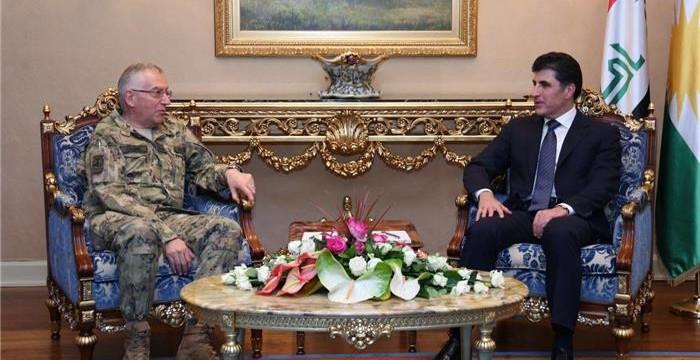 PM-ItalyArmyChiefOfDefenceStaff2017.__2017_06_08_h23m4s30__HO