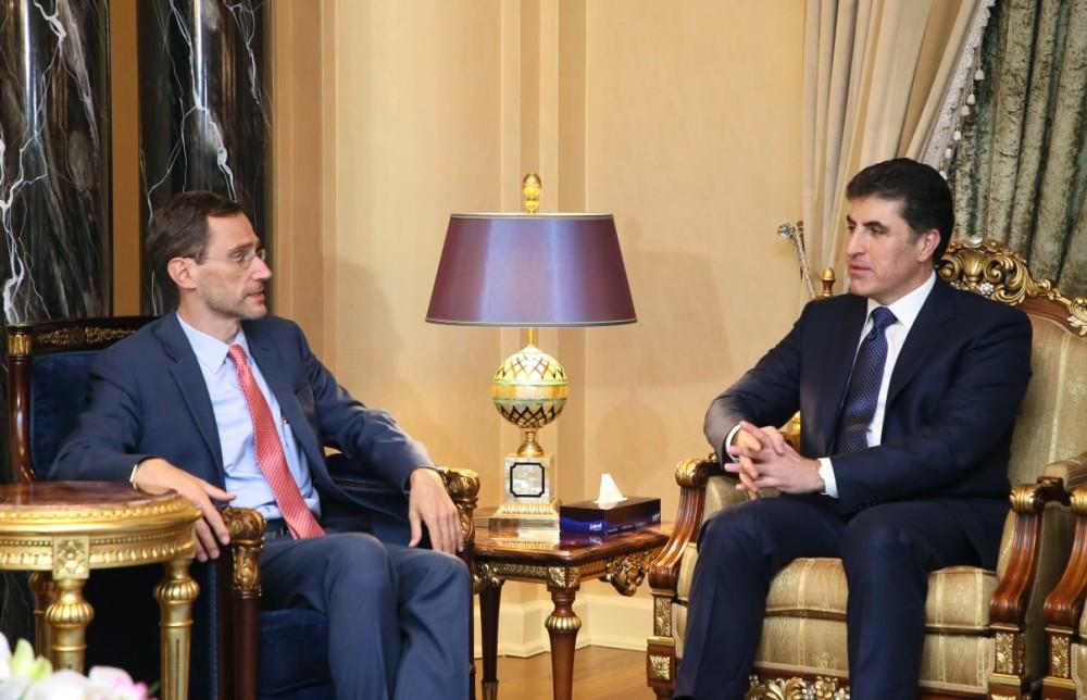 El primer ministro Barzani recibe a la delegación de EE.UU.